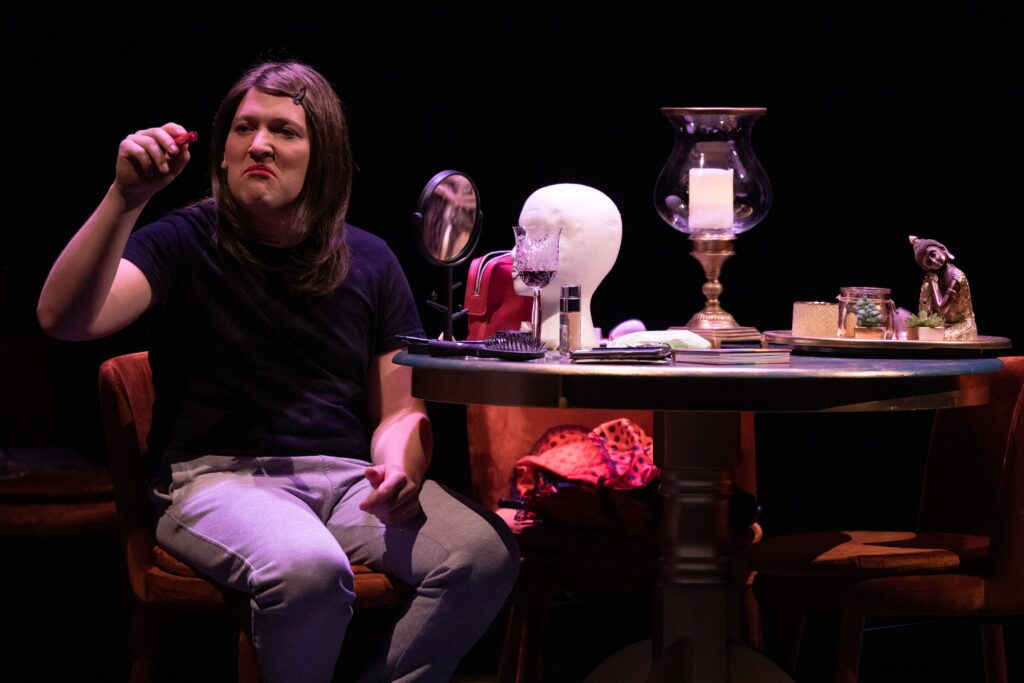 Erland Slettmoen som «Sebastian» i Små Rome Teater Ullensaker